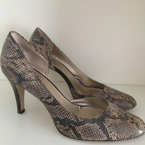 Anne Klein snakeskin heels size 9.5